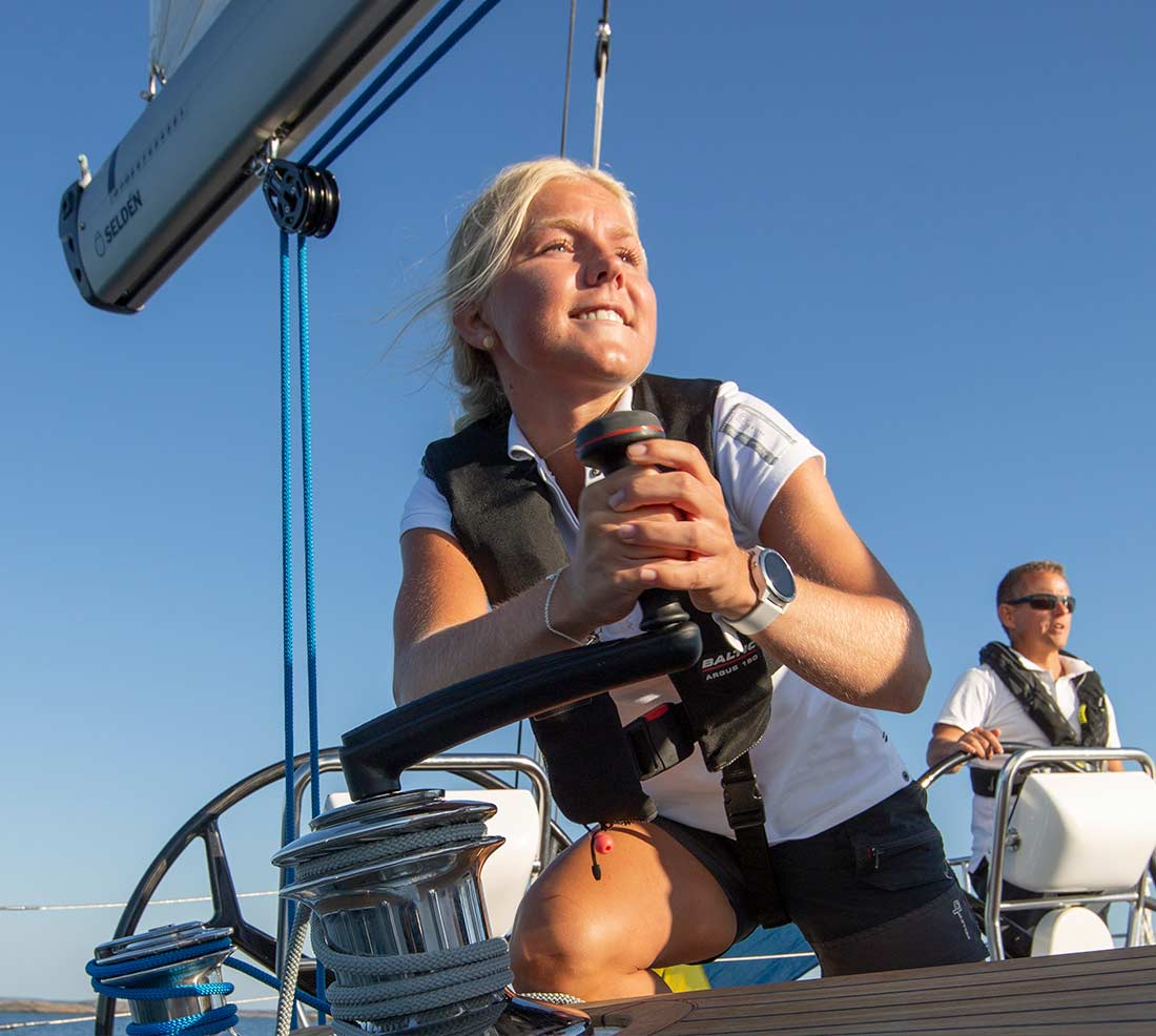 Sailing with Friends - The Arcona Club